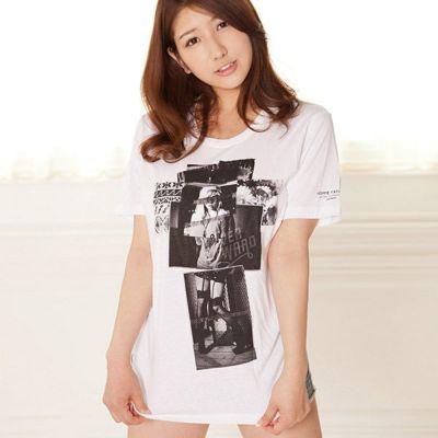 【ただのプリントTシャツじゃない!写真の合わせ具合がおしゃれすぎ!】プリントロゴTシャツ【モデル/グラビアアイドル:亜里沙】