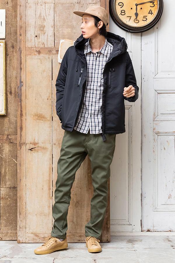 ダウンジャケット×長袖シャツ×半袖Tシャツ×パンツ(4点セット)