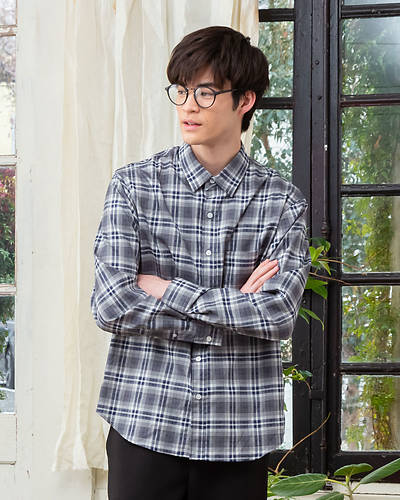 レギュラーカラー長袖シャツ(ネイビー)