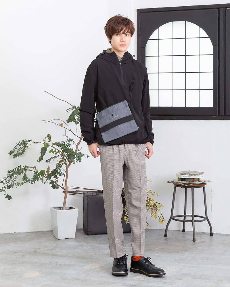 パーカー×長袖シャツ×半袖Tシャツ×パンツ(4点セット)