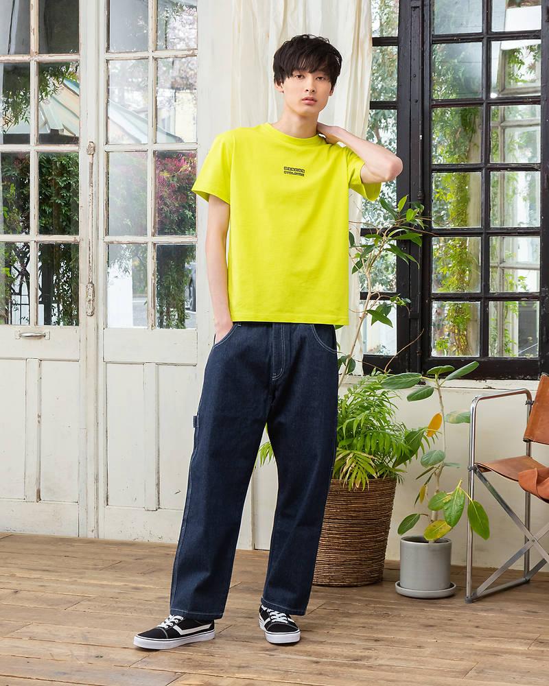 【マネキン買い】【高発色のトップスは濃色デニムパンツと相性抜群!胸元に施された立体感のあるフロッキープリントでブランドロゴをアピール♪】半袖Tシャツ×パンツ(2点セット)