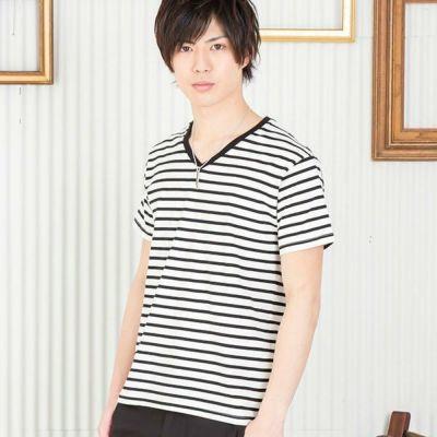 ボーダーVネックTシャツ(ホワイトxブラック)