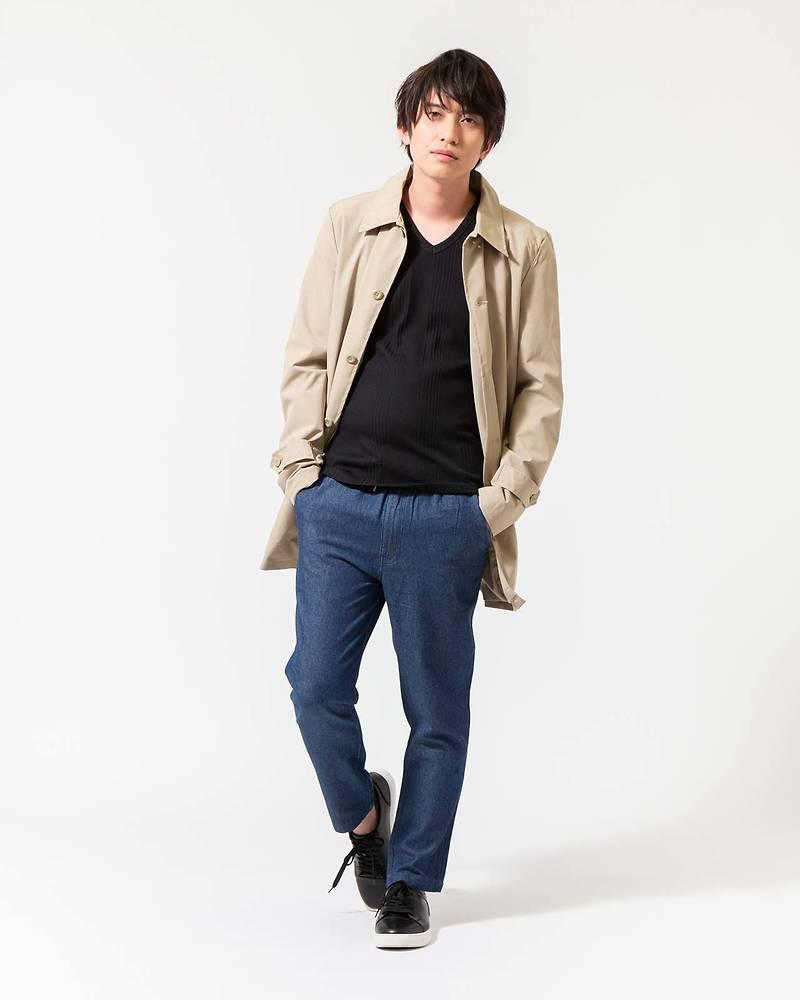 メンズファッションプラスステンコート×長袖Tシャツ×パンツコーデ