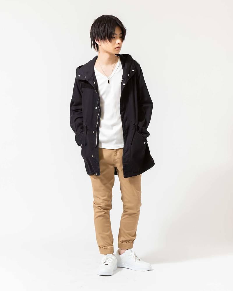 メンズファッションプラスモッズコート×長袖Tシャツ×パンツコーデ