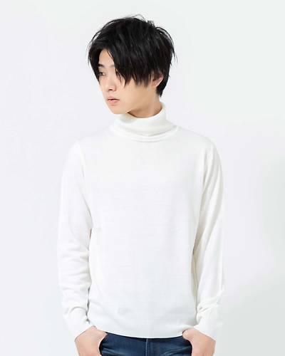 カシミヤタッチタートルネックセーター(ホワイト)
