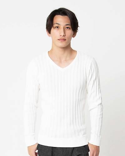 太リブ編みVネックニット(ホワイト)