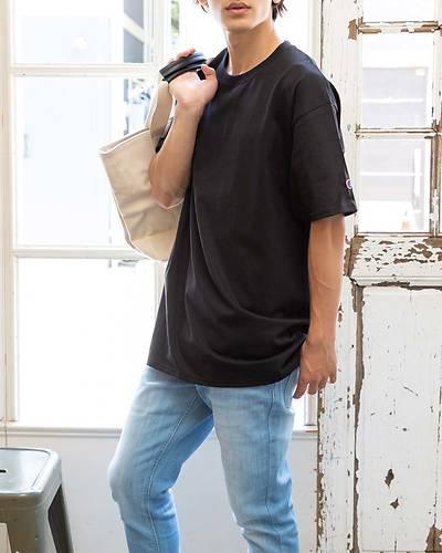 【Champion (チャンピオン)】ベーシッククルーネック半袖Tシャツ(ブラック)
